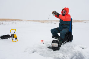 Best Ice Fishing Fish Finders of 2021: Complete Reviews With Comparisons