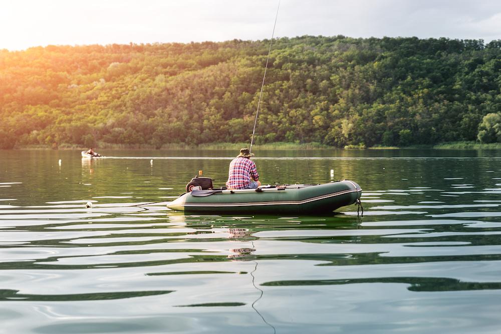 down imaging vs side imaging on a fish finder